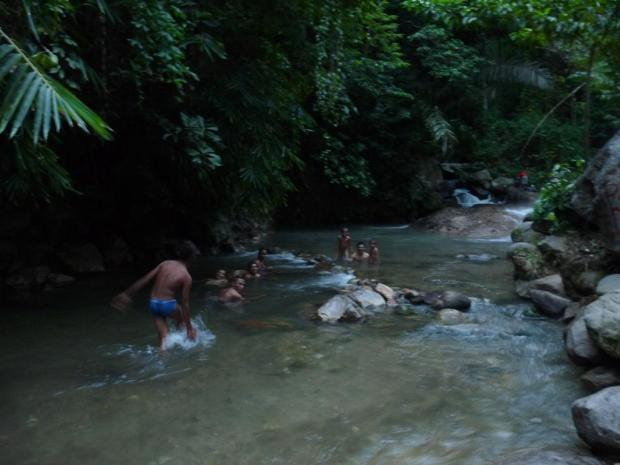 For lack of a better picture, this is where a (very) hot river mixes with a cold river and it is perfect for bathing. The locals love it and so do the few visitors. It was great after an exhausting climb of Inerie.